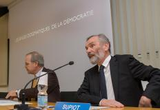 Alain Supiot (in primo piano) e Giuseppe Nesi.