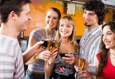 IL RAPPORTO TRA ADOLESCENTI E ALCOL