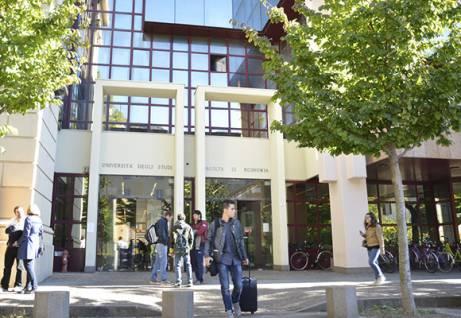 Ingresso del Dipartimento di Economia e Management dell'Università di Trento